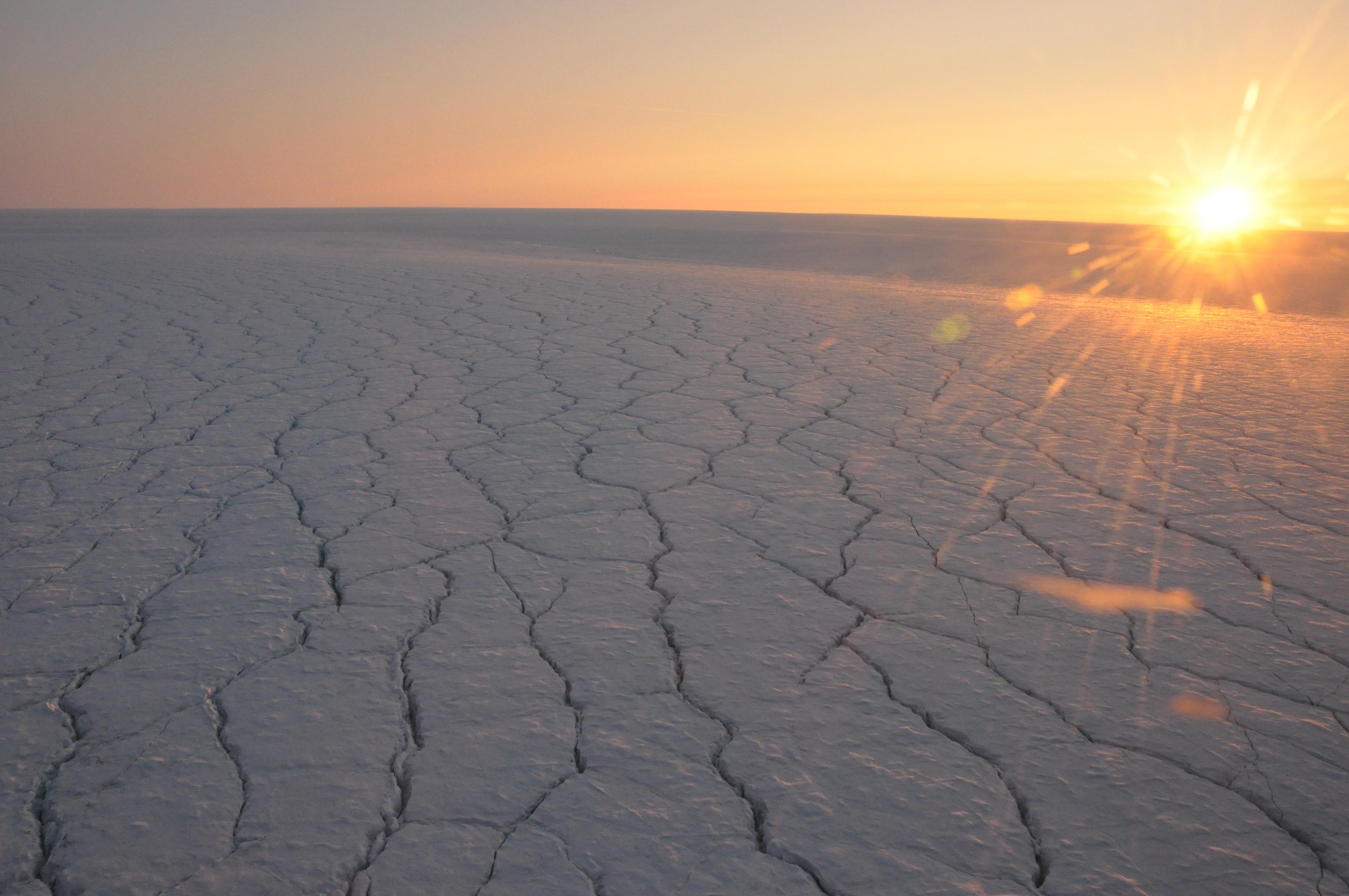 Las nubes nocturnas calientan la superficie de Groenlandia