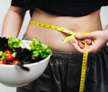 "<p>La obesidad abdominal está relacionada con el riesgo cardiovascular. / <a href=""https://www.pexels.com/photo/woman-measuring-her-waist-1332189/"" target=""_blank"">rawpixel.com</a></p>"