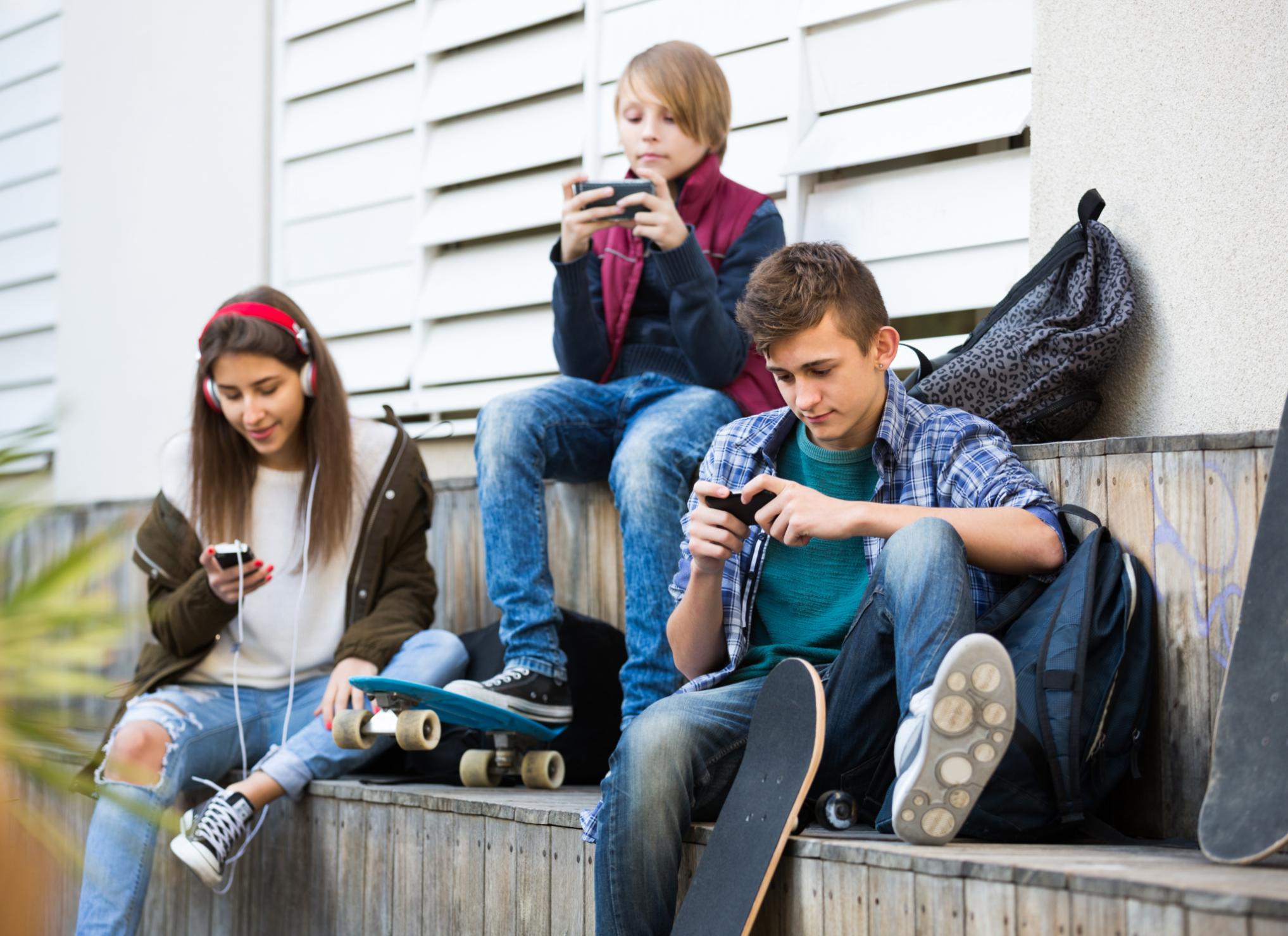 Resultado de imagen de ADOLESCENTES