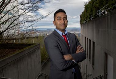 <p>El oncólogo Vinay Prasad. / Universidad de Oregón</p>