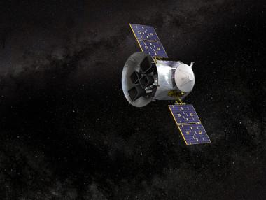 """<p>Ilustración del satélite de la NASA TESS (de sus siglas en inglés """"Transiting Exoplanet Survey Satellite""""). / NASA"""