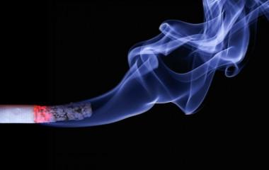 <p/>Las políticas anti tabacohan tratado la adicción de manera más efectiva que las soluciones individualizadas, incluyendo la farmacoterapia. / <a href=
