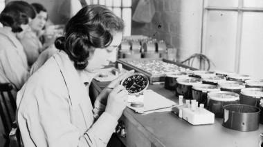 """<p/>Una de las chicas del radio en la fábrica de Ingersoll en 1932. / Daily Herald Archive"""" /><span style="""