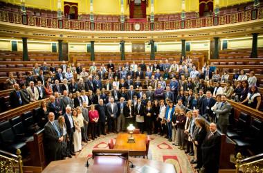 Participantes en las primeras jornadas de Ciencia en el Parlamento en el Congreso de los Diputados, con la presidenta Ana Pastor. / Congreso