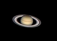 Imagen del planeta Saturno en la que se observan con claridad sus bandas y sus anillos. / Jesús R. Sánchez Luque