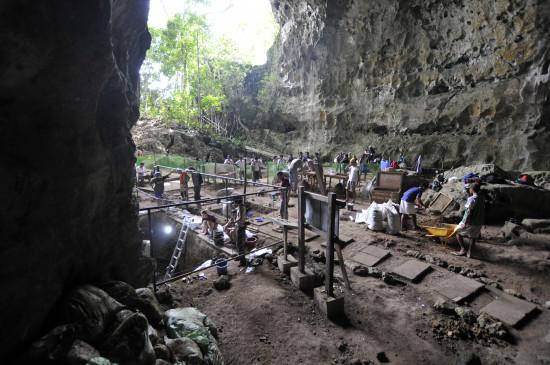 Entrada de la cueva del Callao durante una campaña / © Callao Cave Archaelogy Projec