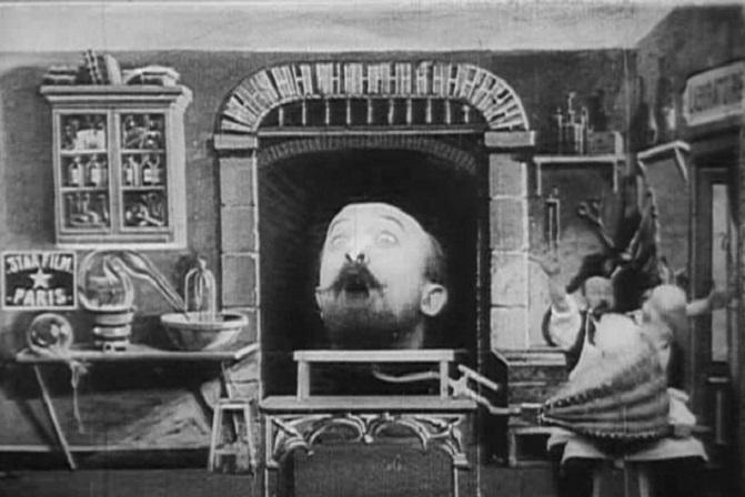 Méliès,_L'homme_à_la_tête_en_cahoutchouc_(Star_Film_382-383,_1901)
