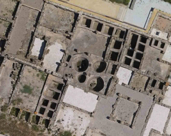 Tanques de salazones de pescado en el yacimiento arqueológico de Baelo Claudia (Cádiz). Foto: D. Bernal Casasola, Universidad de Cádiz.