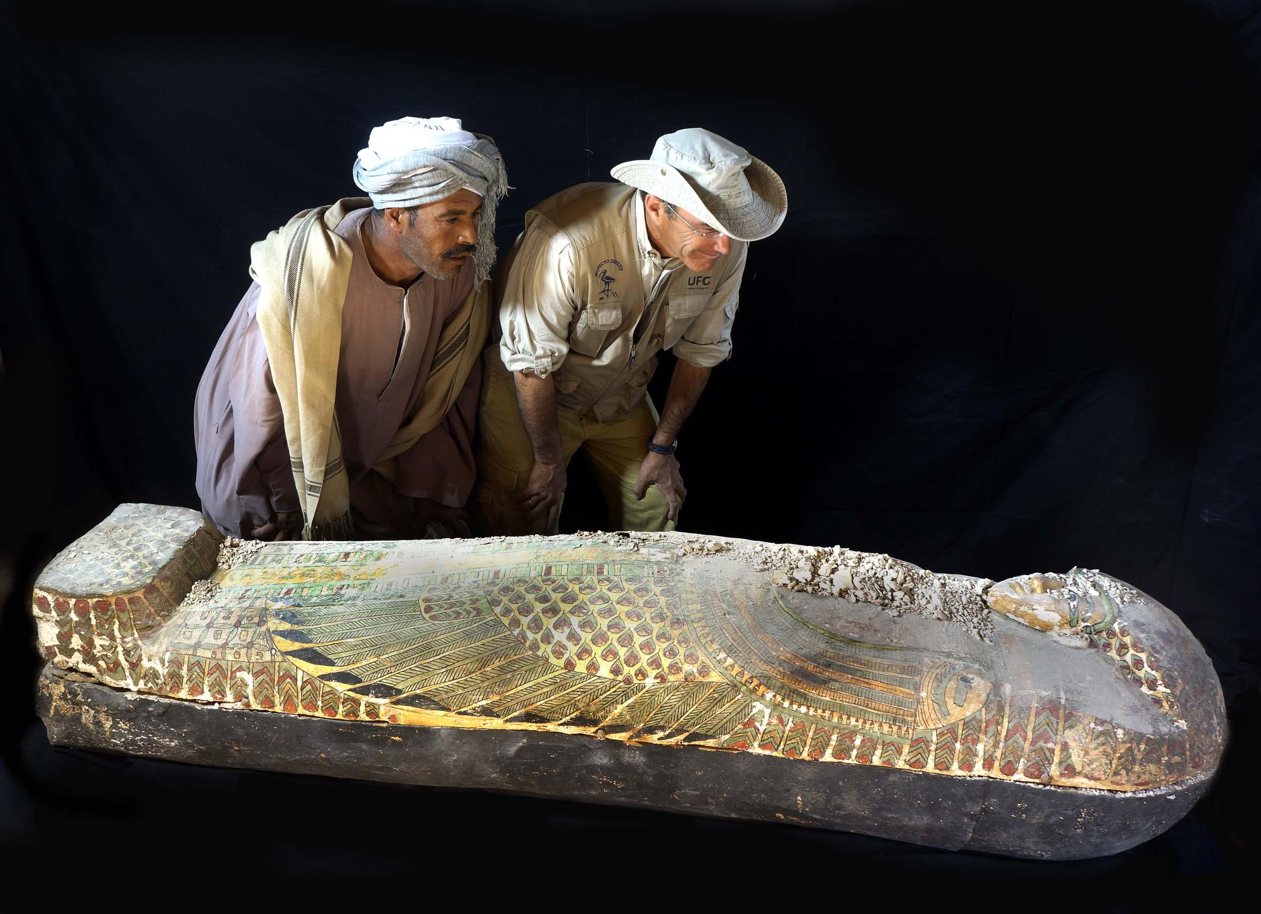 Descubierto un ataúd intacto de la dinastía XVII del Antiguo Egipto