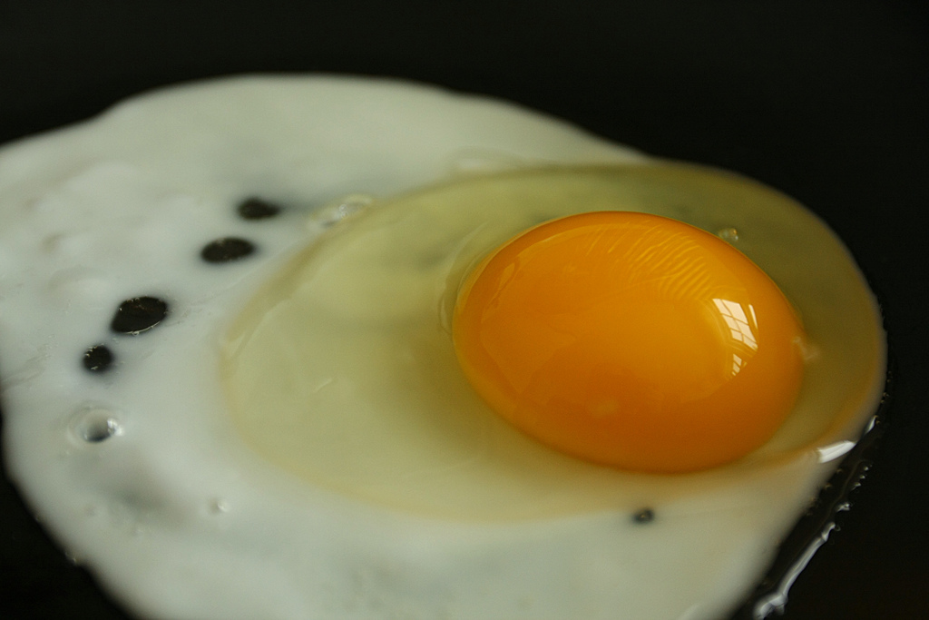 Comer huevos no se asocia con altos niveles de colesterol en adolescentes