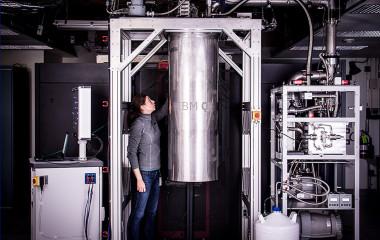 <p>La línea IBM Q es una plataforma que brinda a sus usuarios el acceso, a través de la nube, a prototipos de procesadores cuánticos de IBM, como el que han usado los investigadores para crear vida artificial cuántica./ IBM</p>