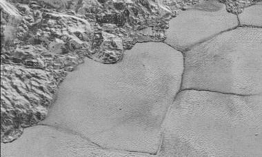 Dunas-en-pluton-con-arena-de-metano_image_380