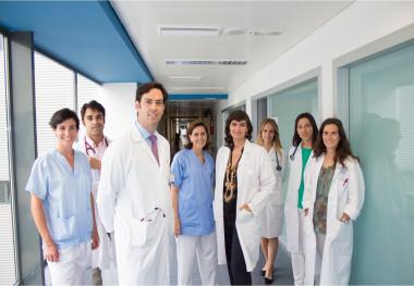"""<p/>Pablo García-Pavía y Almudena Amor con otros de los integrantes del grupo de Cardiopatías Familiares del Hospital Puerta de Hierro. /CIBERCV"""" style="""""""" /><span style="""