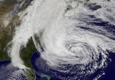 <p>Call for Code busca unir a desarrolladores<em></em>, empresas y universidades para prevenir y afrontar catástrofes mediante nuevas tecnologías. Imagen tomada por la NASA del huracán Sandy. / NASA</p>