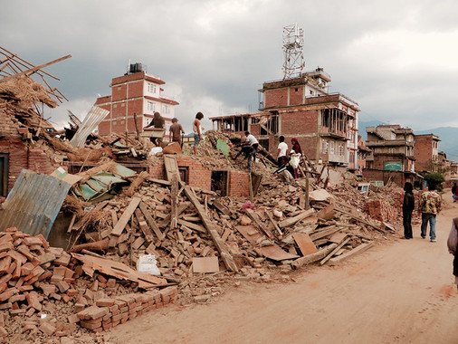"<p>Daños causados por el terremoto en Nepal. / <a href=""https://www.flickr.com/photos/110419464@N05/17290940465/in/photolist-skWAcc-o5ZtN4-hgAeCw-s4mc5Y-hgBtoc-hf2A2C-roXRGg-rpxAoU-smDA8i-dzdTYL-s2dPmf-s4bozb-s2rAHF-dzdTTL-skSQkM-bqkHj8-hg3BP6-4atqkV-avx9LN-roXJKk-dzdTQo-s3mNMV-dz8pYt-dzdTRJ-dz8q1v-roXJPD-84KB6o-dzdTNo-rorWkq-s411Be-s3U2JC-hkWwf2-o46Ahf-skhgfh-dxqfKR-hf57HT-hgu8EQ-angoiG-s2JetT-s4B2Jp-dwEJMp-rpYwPj-hkUEic-dzGins-dz8tiM-s4m9ZA-dxWUzH-dyUhJ8-s3RrLQ-skMmSw"" target=""_blank"">SIM Central and South East Asia</a></p>"