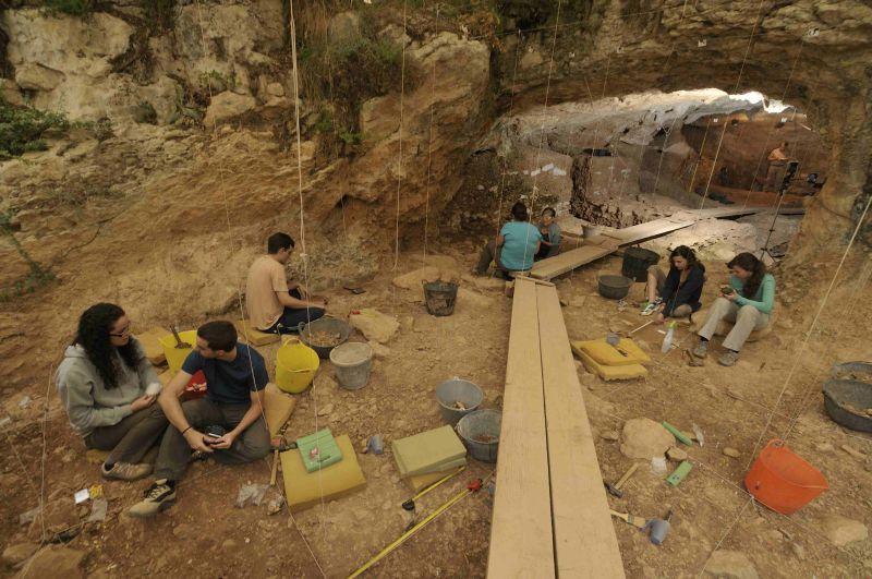 Las cuevas de Moià resuelven cinco incógnitas sobre los neandertales