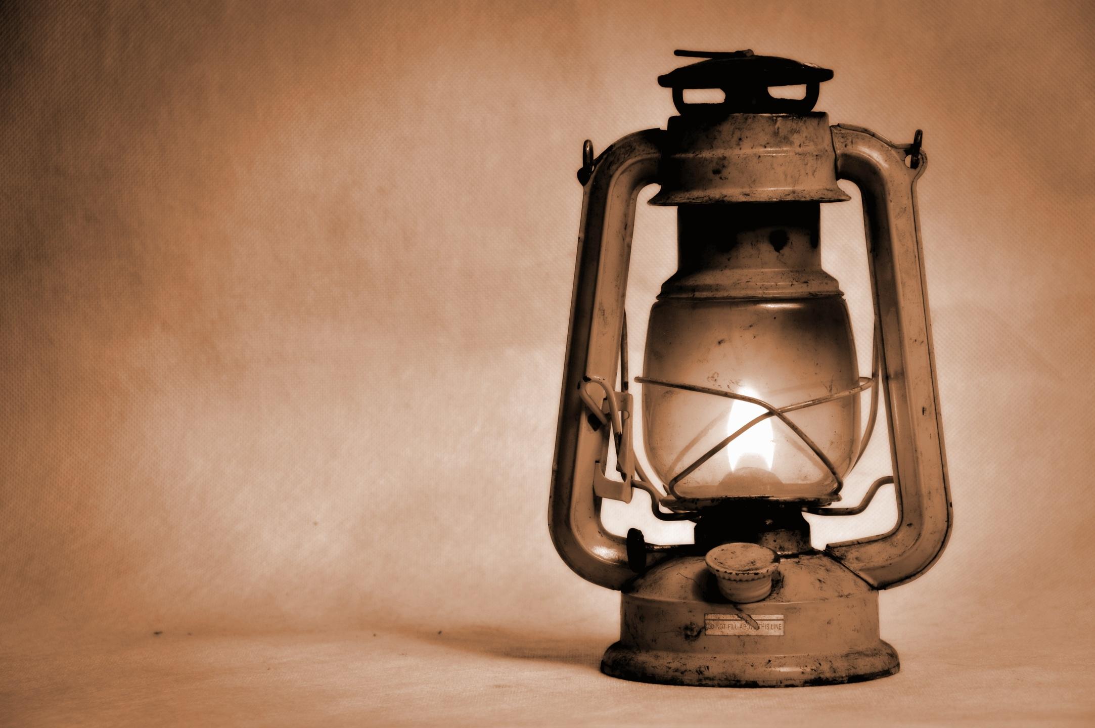 Las lámparas de queroseno contaminan el aire de las mujeres de Mozambique