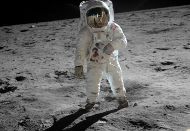 <p>Fotografía de Buzz Aldrin por Neil Amstrong tomada con una cámara de 70mm. / NASA</p>