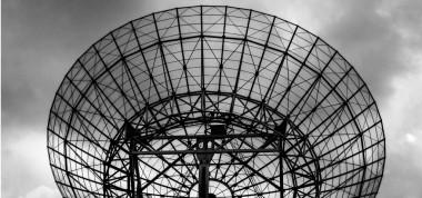 """<p/>Las ocupaciones expuestas a campos electromagnéticos incluyen trabajar con o cerca de radares, antenas de telecomunicación, diagnóstico y tratamiento médico y hornos microondas, entre otros. /Tim van der Kuip"""" /><span style="""