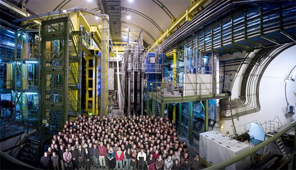 Los científicos del CERN observan dos nuevas partículas bariónicas