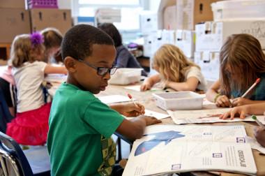 Las niñas y niños de cinco años aún no tienen prejuicios racistas