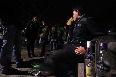 """<p/>La edad a la que empieza a consumirse alcohol influye en el daño cerebral. / Olmo Calvo (SINC)"""" style="""""""" /><span style="""