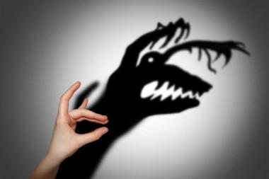"""<p/>La esquizofrenia se caracteriza por una serie de síntomas vinculados a alteraciones del sistema nervioso que provoca alucinaciones, delirios, aislamiento social, falta de motivación, incapacidad para sentir placer y déficits cognitivos. / CCS-UPF"""" /><span style="""