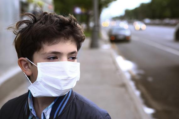 <p>Un número creciente de investigaciones en todo el mundo demuestran que el aire contaminado es tóxico para el cerebro infantil. / Adobe Stock</p>