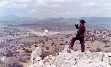 <p>En los años 60 la NASA colocó una de sus grandes antenas del programa Apolo cerca de Fresnedillas de la Oliva, un pequeño pueblo madrileño por entonces agrícola y ganadero. / Foto cortesía de Larry Haug/Honeysuckle Creek Tracking Station</p>